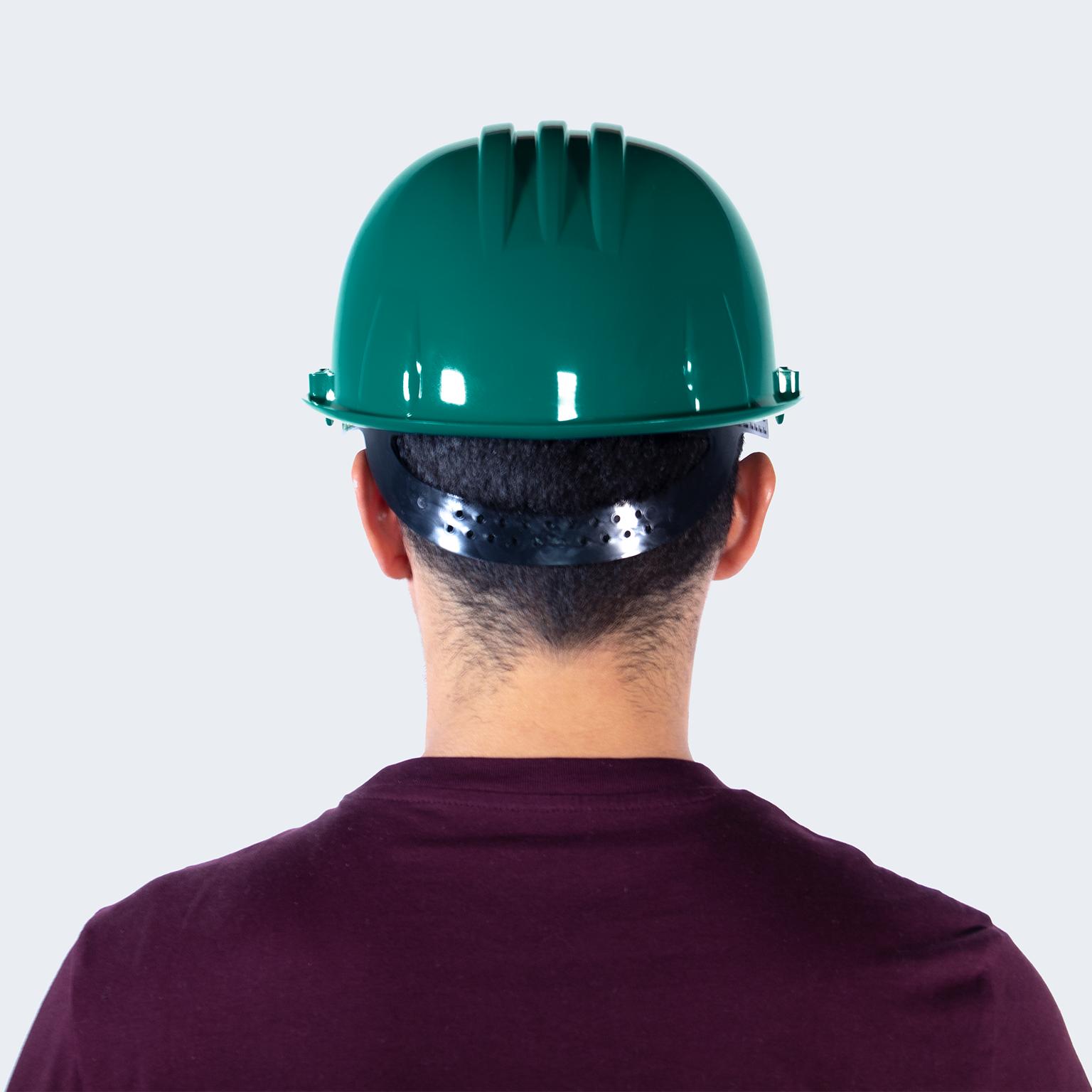 casco verde atras